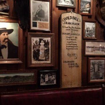 Bar / Museums